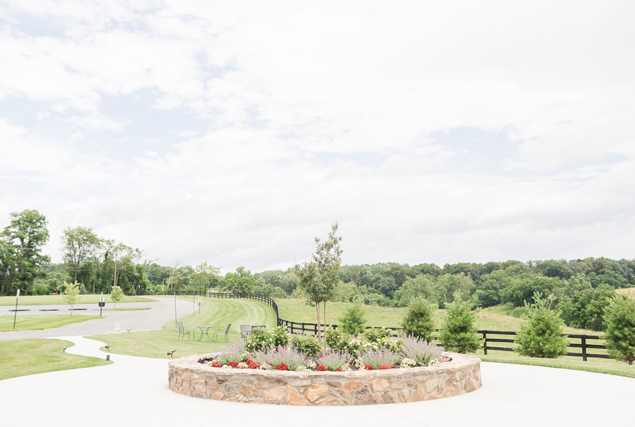 Loudoun barn wedding venue landscaping